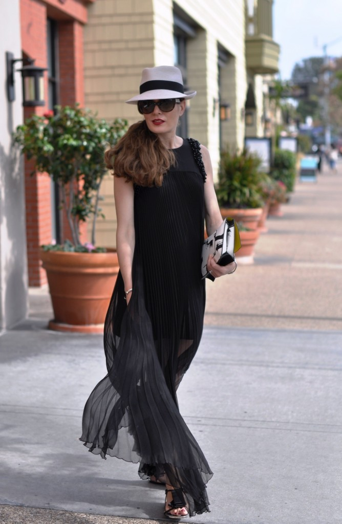 Alexis dress Eric Javits fedora